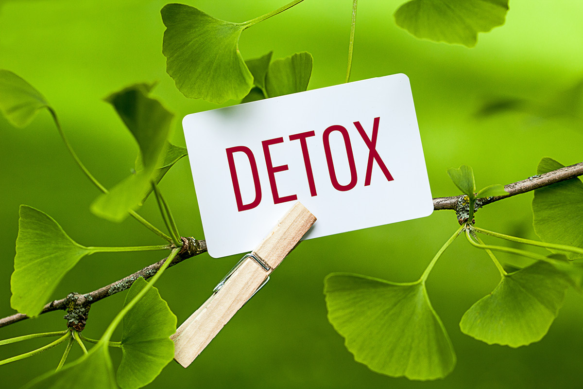 Feeling sick or fatigued? It could be time to detox. But how do you do it right? David Getoff, joins Heather to outline what to do and what to avoid