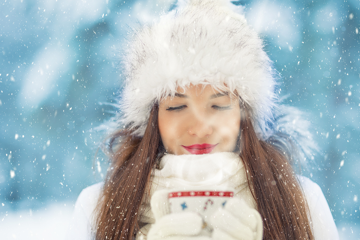 More than 20% of people worldwide suffer from Seasonal Affective Disorder, also referred to as the winter blues. Why is this happening and what can you do?