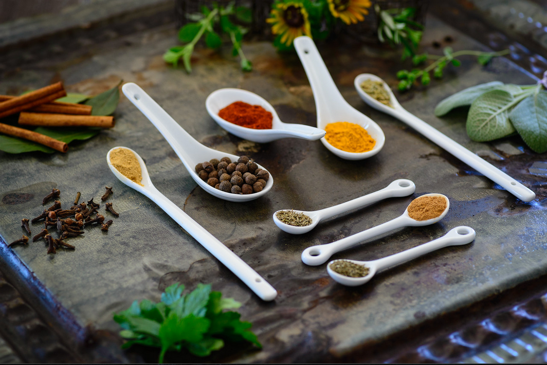 Joining Heather is Herbalist, Rosalee de la Foret, who will reveal easy remedies you can make from common herbs. Discover how to heal with herbs.