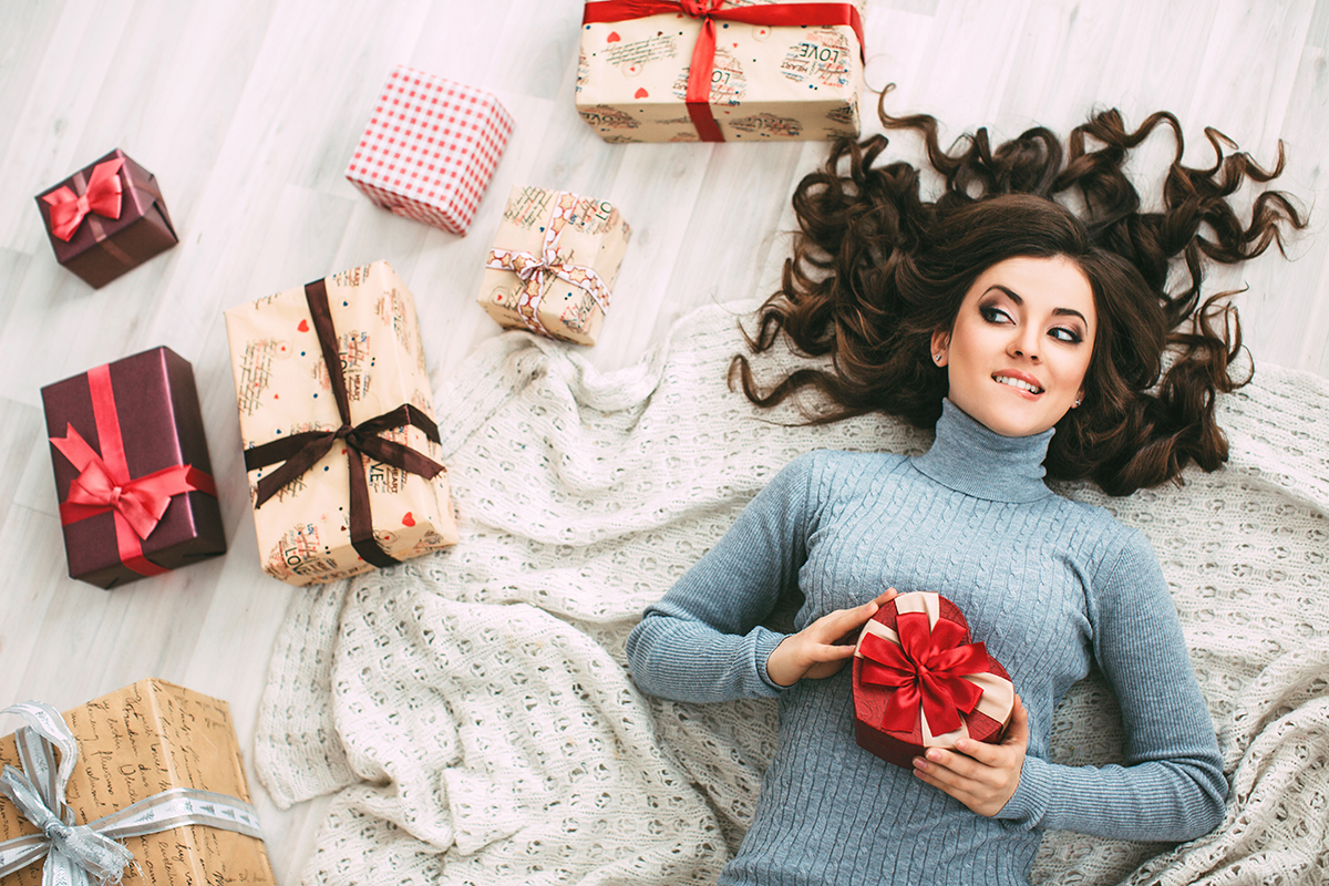Heather invited her cousin, DIY home decorating and baking expert Renee Romeo, to reveal 3 critical success factors to stay stress free over the holidays